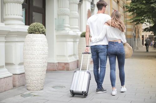 Hasta 30% de descuento en maletas y bolsas de viaje Samsonite, American Tourister o Eastpak en Amazon