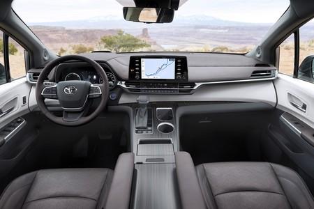 Toyota Sienna 2021 18