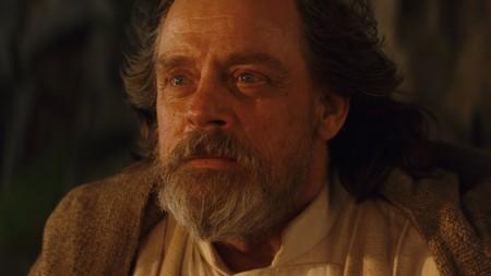 Mark Hamill compara a Luke Skywalker con un yonqui y aclara que la Fuerza lo mató