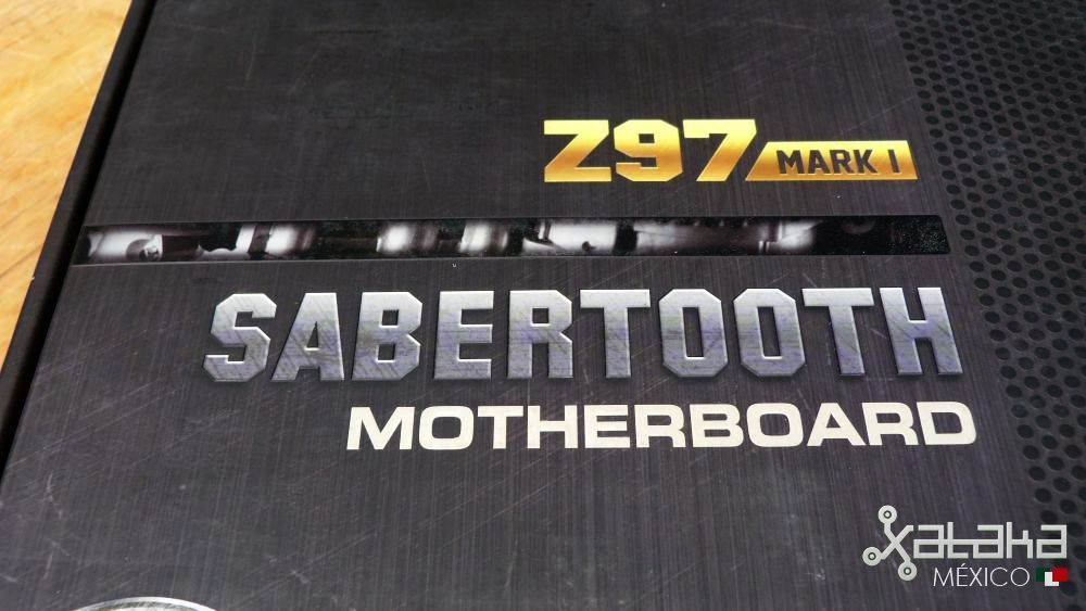 Foto de ASUS Sabertooth Z97 MARK 1: Empaque (1/9)