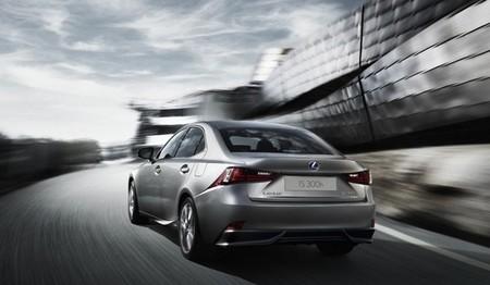 Lexus ha dicho adiós al diésel