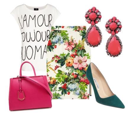 look con camiseta y falda de flores