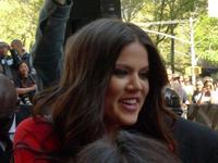 La pobre Khloé Kardashian siempre fue el patito feo (y travestido) de la familia