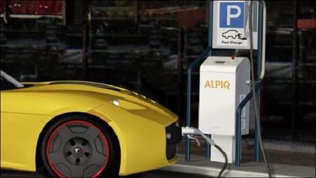 Alpiq E-Mobility presenta un cargador de recarga rápida y semi-rápida compatible con todos los fabricantes