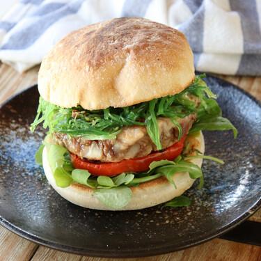 Receta de hamburguesa de bonito del norte: un sándwich saludable y lleno de sabor