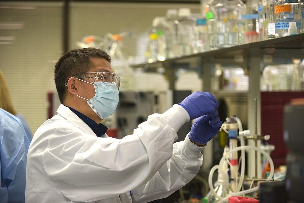 Todo lo que sabemos sobre CureVac y Novavax, las dos próximas vacunas que muy probablemente llegarán a España