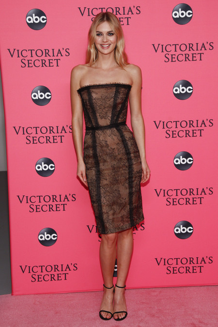 Megan Williams victoria secret red carpet