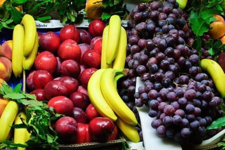 ¿Comer fruta en la noche engorda? Desvelando mitos de la alimentación