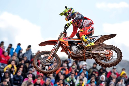 Valencia vibró con el Motocross: Cairoli recupera el liderato de MXGP y Jonass es implacable en MX2