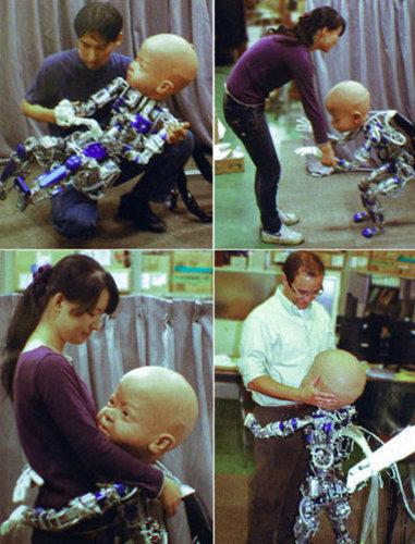 Diego-San, otro inquietante bebé robot