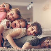 Familia numerosa: qué tipos existen y requisitos para obtener tu título