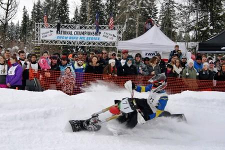 Las transformaciones a moto de nieve ya tienen su propio campeonato, en EE.UU. cómo no