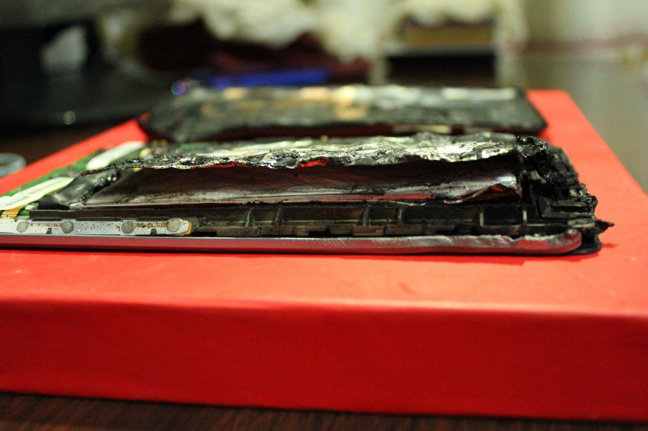 Foto de Nexus 7 Carbonizado (4/5)