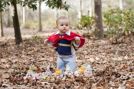 Un verdadero príncipe azul, la preciosa sesión de fotos de un bebé en su primer añito