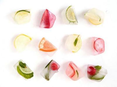 Aromatiza y da color a tu agua, refrescos y cócteles con hermosos cubitos de hielo con sabores