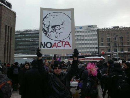 Imágenes y apuntes de una jornada de protestas contra el #ACTA