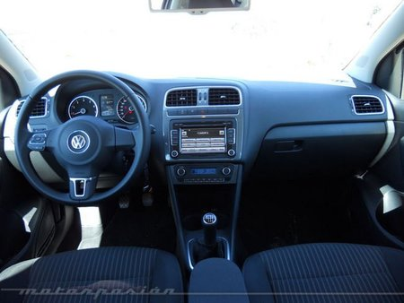 Volkswagen Polo interior 1