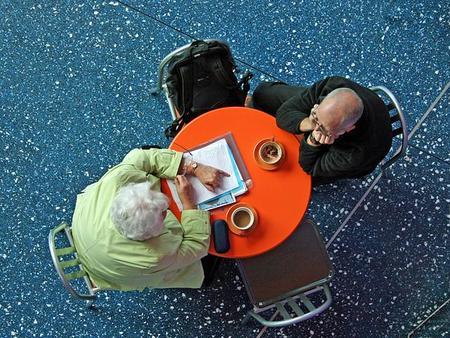 A grandes males, grandes remedios: 4 medidas curiosas para evitar las reuniones inútiles