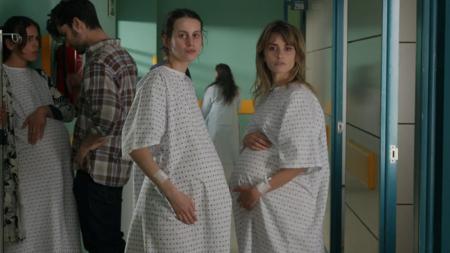 'Madres paralelas': la próxima película de Pedro Almodóvar revela su sorprendente fecha de estreno en cines y nuevas imágenes