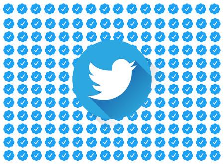 Twitter reactiva la verificación de perfiles: cuatro años después, vuelve a ser posible solicitar la insignia azul