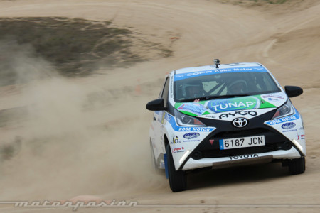 ¿Un coche de rally con 80 CV? Tras probar el Toyota Aygo de la Copa Kobe te lo contamos