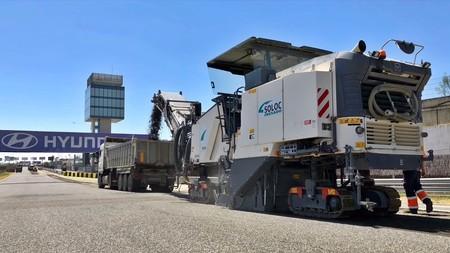 ¡Ahora sí! El Circuito del Jarama ya está recibiendo un nuevo asfalto después de 26 años