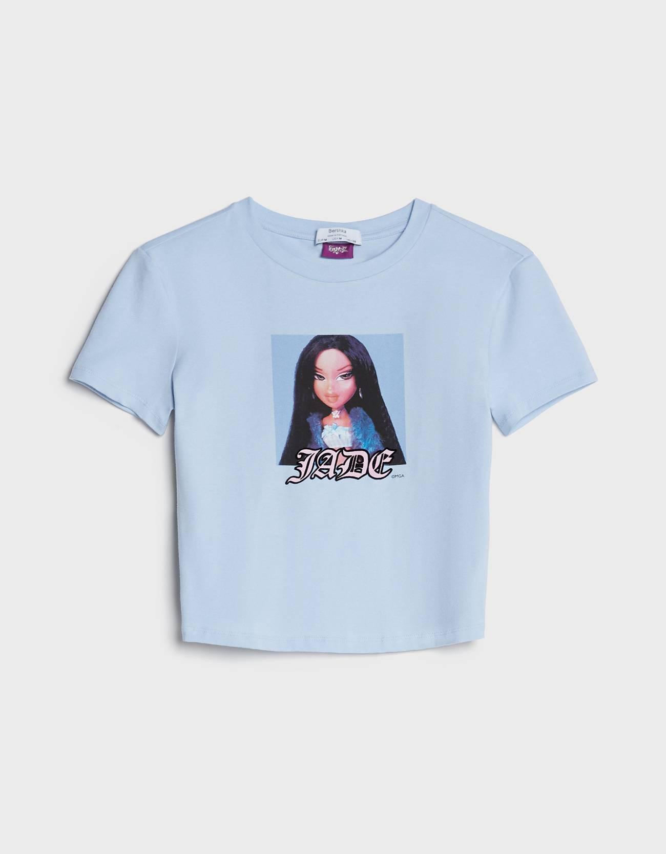 Camiseta cropped de color azul cielo