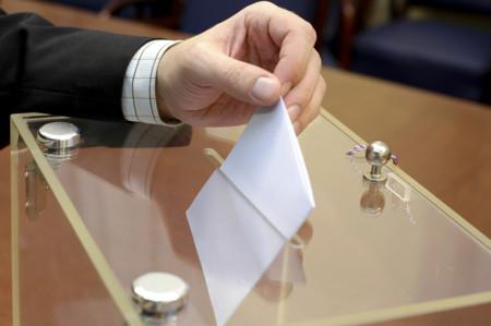 Urna Con Voto