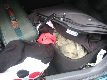 Ropa en el maletero