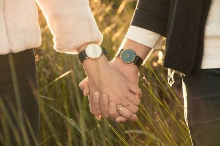 Relojes, joyería y bisutería de diseño unisex para enamorar este San Valentín