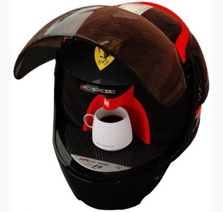 Nespresso y Ferrari, para esos cafés rápidos