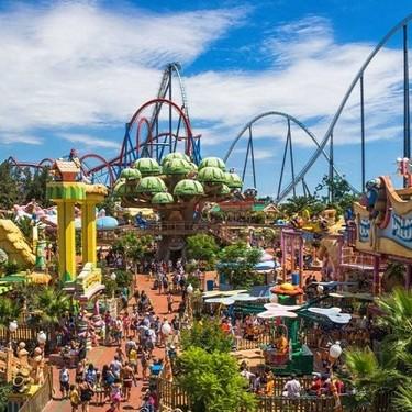 Reapertura de los 19 mejores parques temáticos, de atracciones y zoos de España para ir con niños: Port Aventura, Warner y más