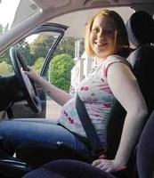 El cinturón de seguridad del coche no daña al feto