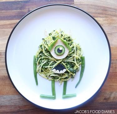 Los increíbles platos de personajes infantiles que prepara una madre cada día para su hijo de tres años