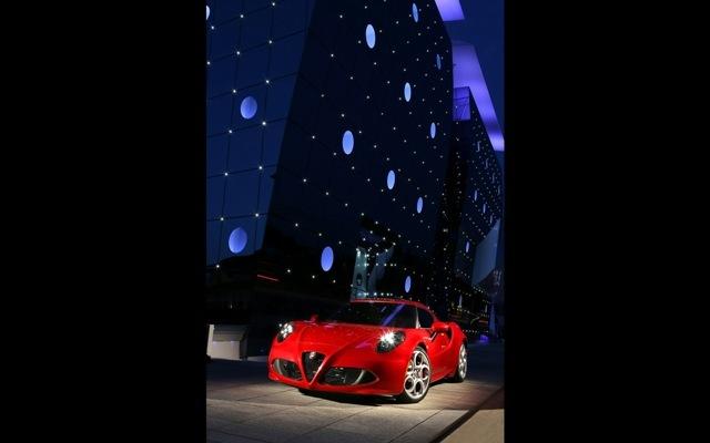 Foto de Alfa Romeo 4C llegará a México en 2014 (5/21)