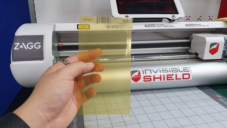 "Invisible Shield On Demand en México: probamos las micas personalizadas para pantallas que ""se regeneran"""
