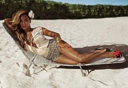¡Beyoncé Knowles es la nueva imagen de H&M para su colección de baño verano 2013!