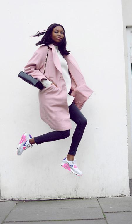 11 looks de street style con los que no querrás quitarte el abrigo
