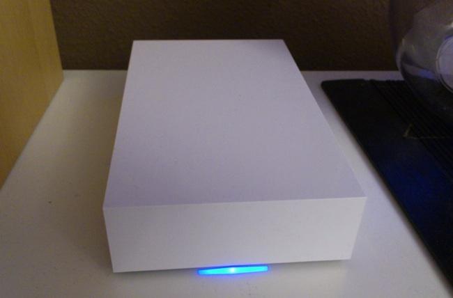 Así es el LaCie CloudBox, totalmente minimalista