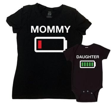 La pareja de camisetas para madre e hija que lo dice todo