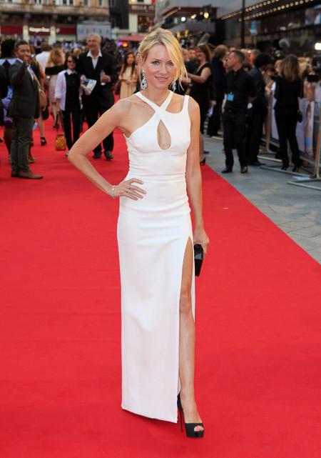"""El look de Naomi Watts, protagonista indiscutible en el estreno de """"Diana"""""""