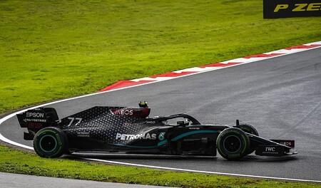 La lluvia de Turquía dejó en evidencia a Valtteri Bottas: seis trompos, doblado y fuera de los puntos con un Mercedes