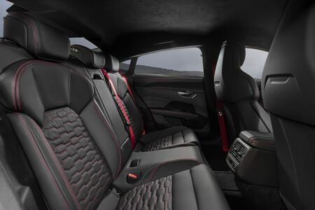 Audi e-tron GT quattro interior