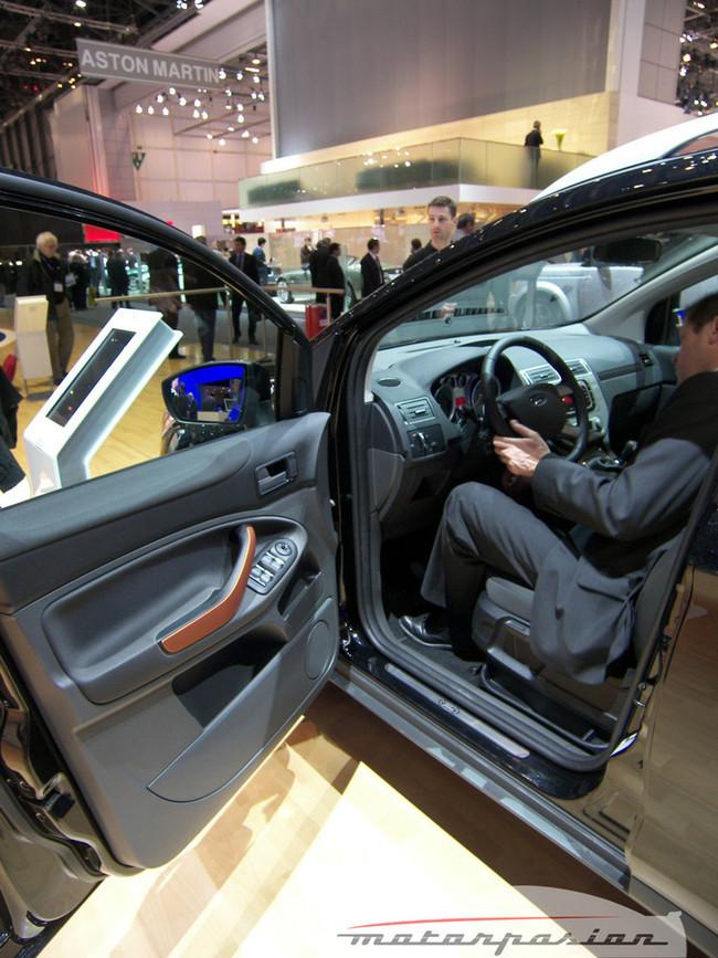 Foto de Ford Kuga en el Salón de Ginebra (10/20)