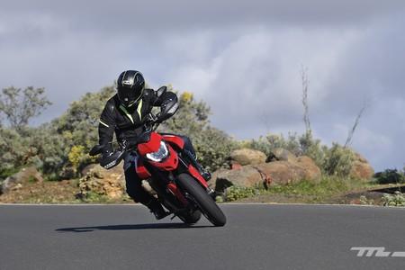 Ducati Hypermotard 950 2019 Prueba 003