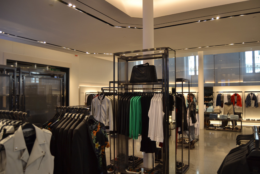 Zara tienda en la calle serrano 23 de madrid 18 59 - Calle serrano 55 madrid ...