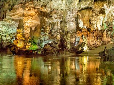 La cueva más grande del mundo está en Vietnam y bien vale una acampada