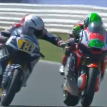 Romano Fenati volverá al mundial con el mismo equipo que le echó, ya sea en Moto2 o Moto3