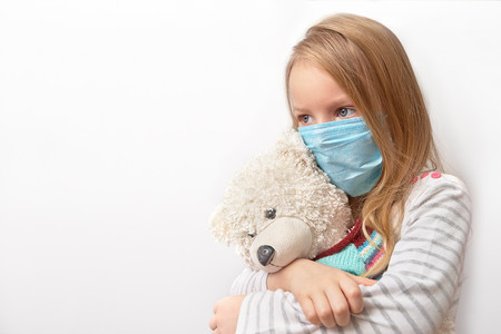 Síntomas de coronavirus en niños: presentan más fiebre, tos productiva, vómitos y diarrea que los adultos