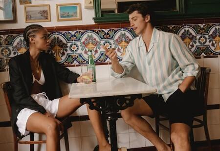 Mango nos convence de vestirnos de blanco todo el verano con una colección llena de bordados con sabor ibicenco